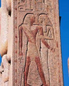 Царь Тутмос III и богиня Мут