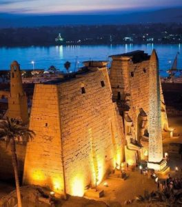Ночь из Луксорского храма