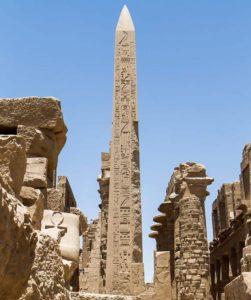 Обелиск царя Тутмоса I, перед четвертым пилоном, Карнак, Луксор