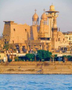 Храм, церковь и мечеть в одном месте в Луксоре