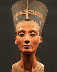 Царица Нефертити бюст