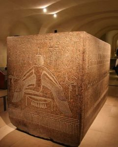 Гранитный саркофаг Рамсеса III. Лувр