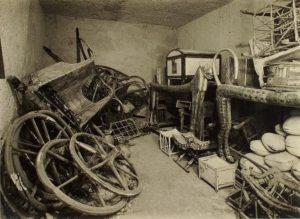 Одно из первых фото в гробнице Тутанхамона