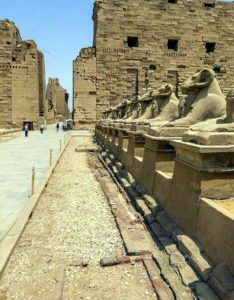 Храм Карнак, аллея сфинксов