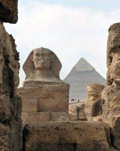Сфинкс и пирамиды Гиза