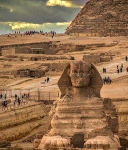 Сфинкс и пирамиды Гиз