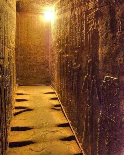Ступени храма Хатхор