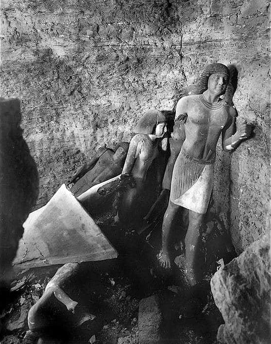 Расхитители гробниц